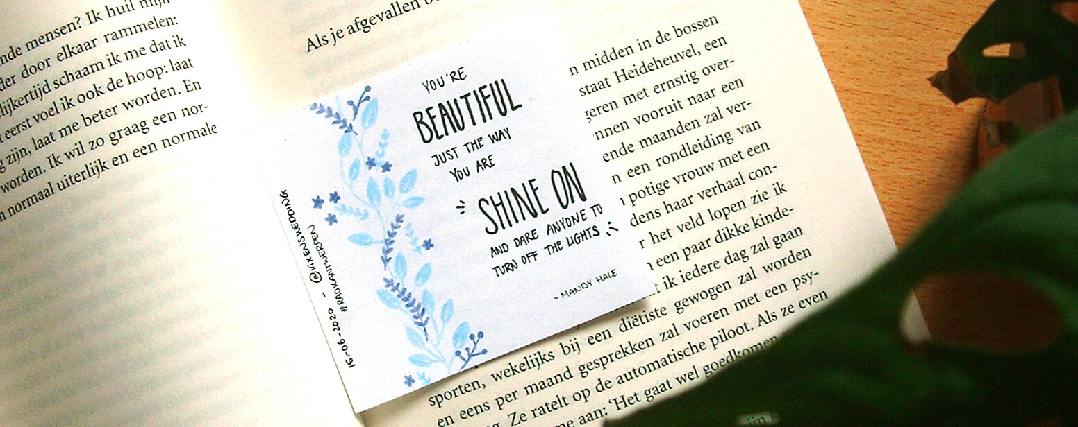 RAOK briefjes in boeken you're beautiful just the way you are shine on Vixen's Wedding